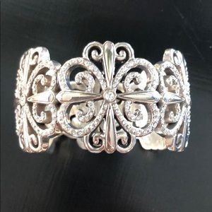 Beautiful Brighton hinged cuff bracelet NWT